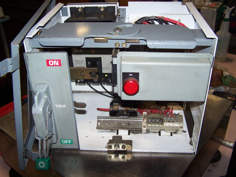 SQUARE D SIZE 1 MCC MOD 6 BUCKET WITH 30 AMP BREAKER FH3603015M 8536SCO3