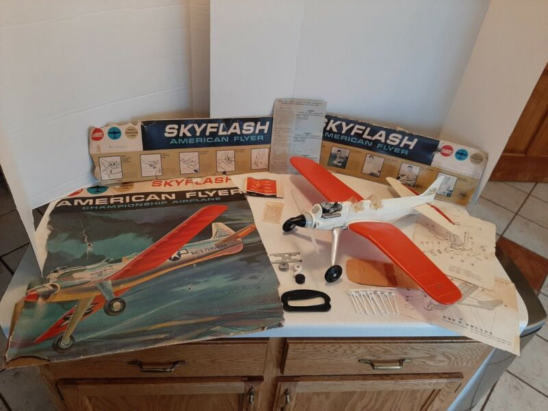 HTF Vintage 1962 Gilbert American Flyer Skyflash Gas Powered Airplane NMIB K5