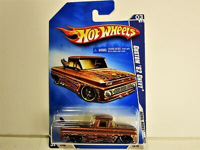 HOT WHEELS 1962 CHEVROLET CHEVY CUSTOM PICKUP TRUCK W/ SURFBOARD NEW IN PACKAGE