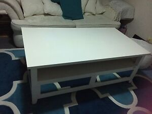 Coffee table Nerang Gold Coast West Preview