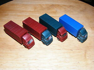 N Scale Generic Lorries - Pack of 4