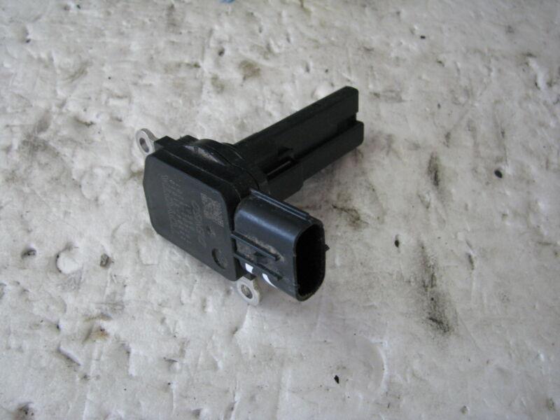 Lexus IS250 2.5 petrol mass air flow meter sensor 22204-31010 used 2006