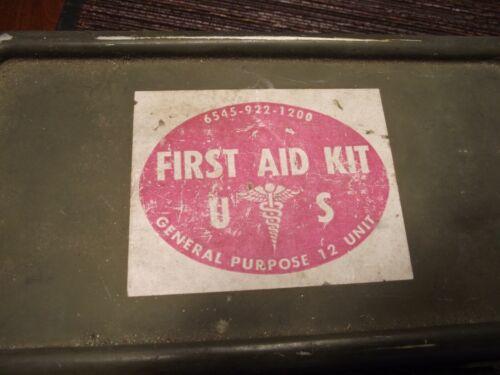 Vintage US FIRST AID KIT GENERAL PURPOSE 12 UNIT Metal Box