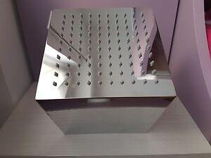 Soffione-ARANA-20-200-x-200-mm-pezzo-d-expo-mai-usato