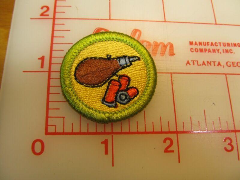 SHOTGUN SHOOTING merit badge plastic backed patch (oP)