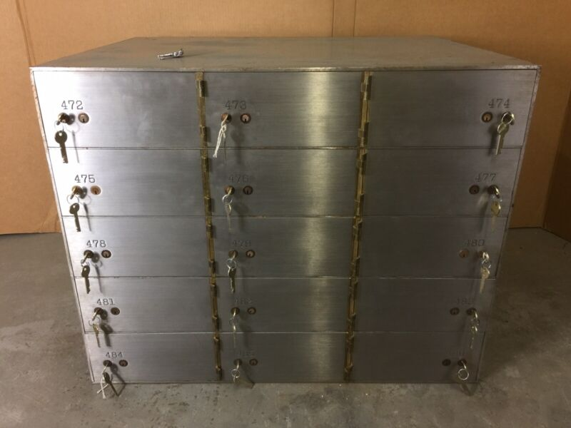 """Yale Safe Safety Deposit Bank Vault 1/2"""" Thick Doors 15 Box Boxes 10"""" x 21"""" x 5"""""""
