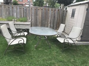 Outdoor Dining Set. Great Condition!