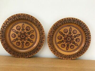 2 Vintage Handcrafted  Wood Folk Art Plate/plaque w/  Inlays in great condition