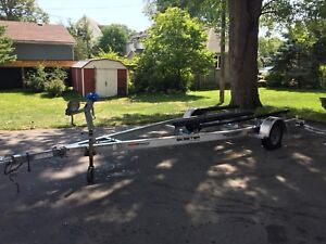 Mint cond Aluminum Bunk Boat Trailer for 18-21'