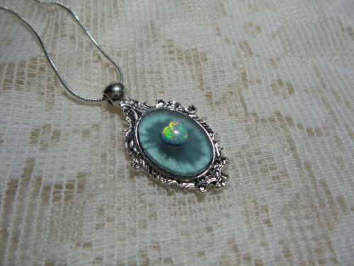 """HANDMADE VINTAGE SUNRAY BLUE FROSTED CAMPHOR GLASS NECKLACE 18"""""""