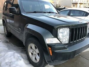 Selling 2010 Jeep Liberty Sport great shape must see