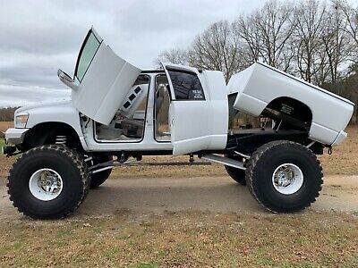2006 Dodge Ram 2500  2006 Dodge Ram 2500 mega cab monster truck custom diesel show