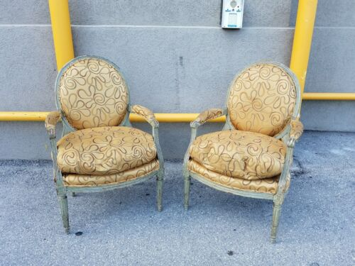 STUNNING PAIR 18TH CENTURY FRENCH LOUIS 16TH MEDALLION CHAIRS W PAINTED FINISH