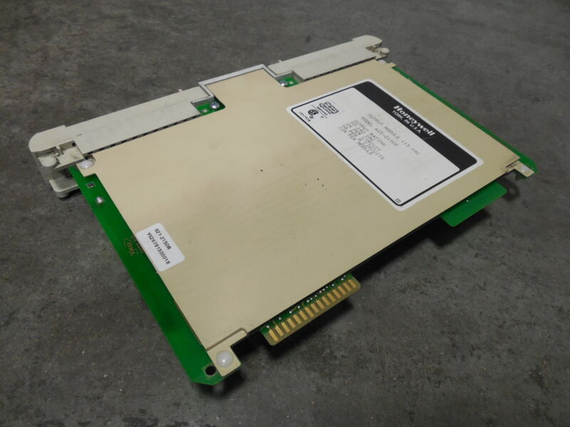 D USED Honeywell 620 Series 621-1101RC Isolated Input Module Rev