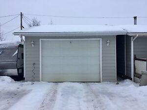 House For Sale in Hay River with Heated Garage. Yellowknife Northwest Territories image 2