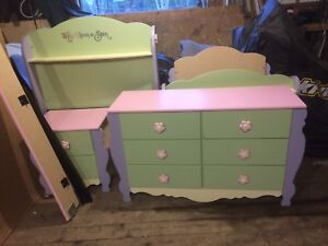 Girls bedroom set