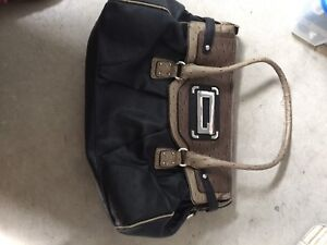 Lots of six purses for sale
