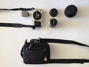 Olympus Pen Lite EPL-5 Mirrorless + Lens extender + Carry Case Wattle Grove Kalamunda Area Preview