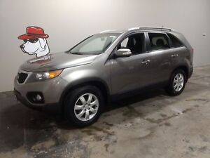 2012 Kia Sorento LX  ***Located in Owen Sound***