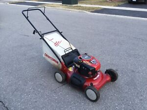 Craftsman lawnmower with bag