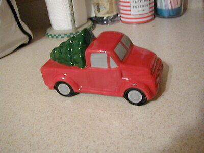 """NEW VINTAGE STYLE RED CERAMIC TRUCK WITH CHRISTMAS TREE TABLE TOP DECOR 7"""" LONG"""