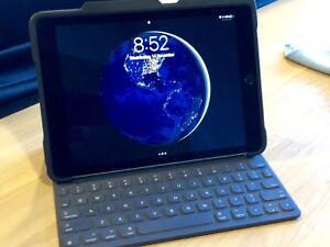 iPad Pro 9.7 256gb Wi-Fi/Cellular with Smart Keyboard and Pencil