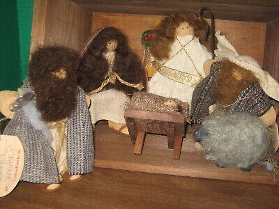 LIZZIE HIGH WOODEN CHRISTMAS PAGENT DOLLS NATIVITY SET VTG.