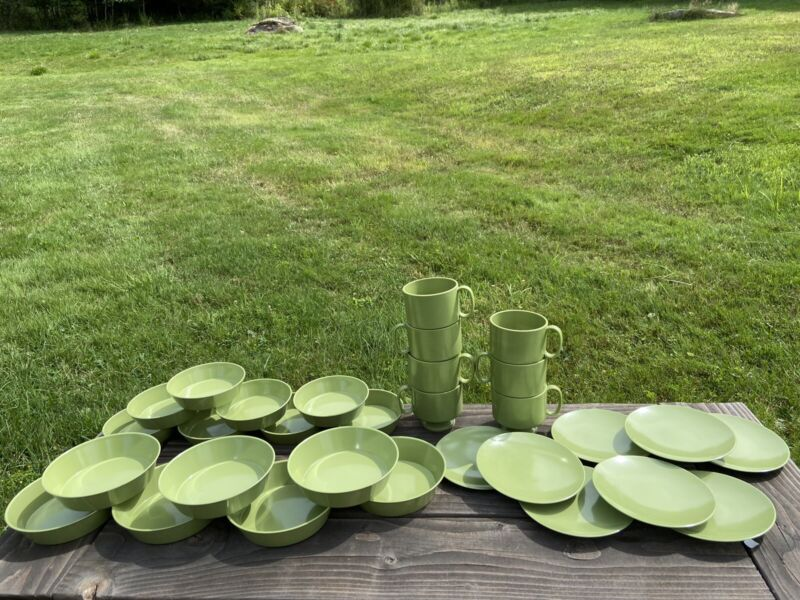 Vintage Genuine Melamine Dishware Dishes Set of 30 Avocado Green Made USA Retro