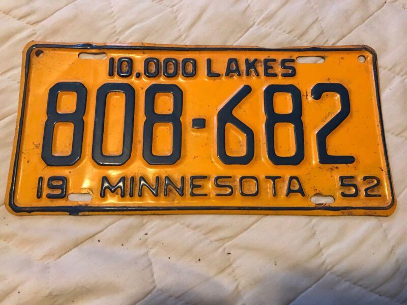 1952  Minnesota License Plate 808 682