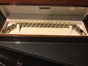 Gold bracelet 18ct $5000 Alexander Heights Wanneroo Area Preview