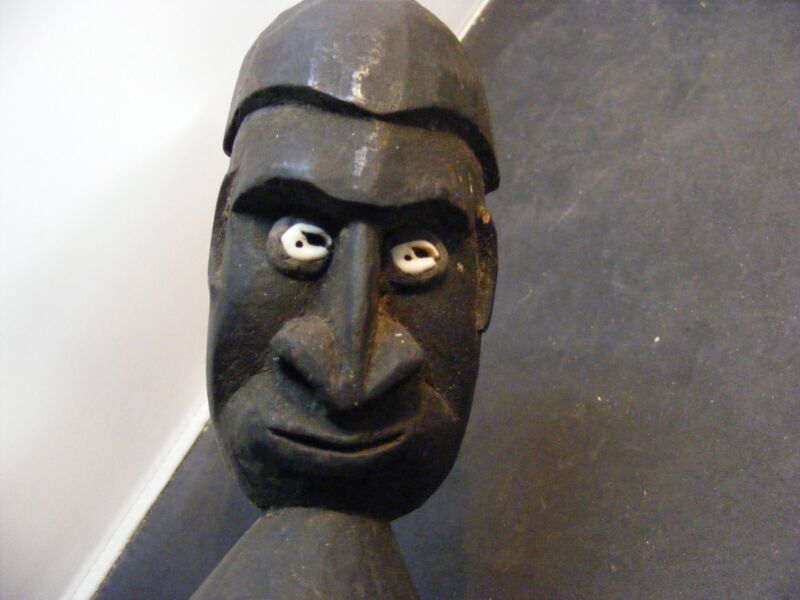Papua New Guinea  statue  Oceanic hand carved