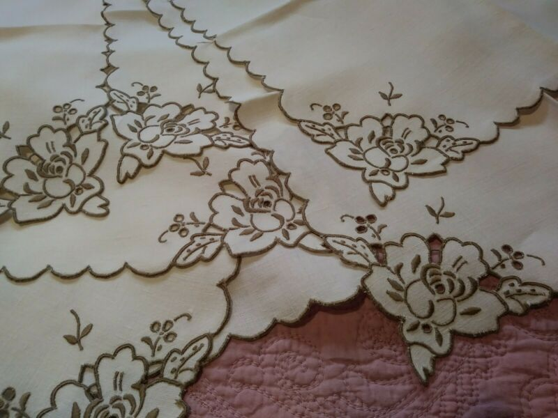 Set of 10 Madeira Floral Cutwork & Embroidered Linen Napkins 16 1/2""