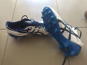 Asics football boots EURO 44.5 US 10.5 Berwick Casey Area Preview