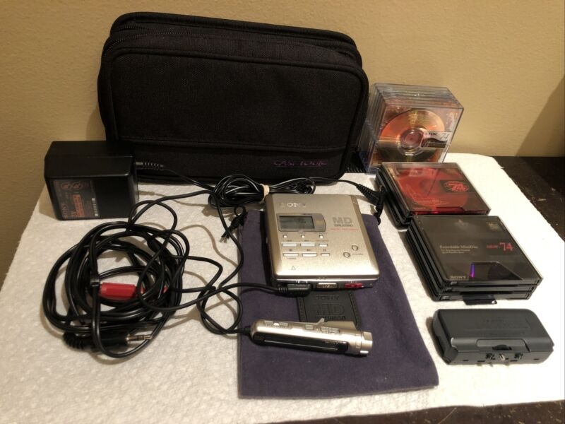 Sony MZ-R55 Silver Ultra-Thin Portable MiniDisc Player / Recorder