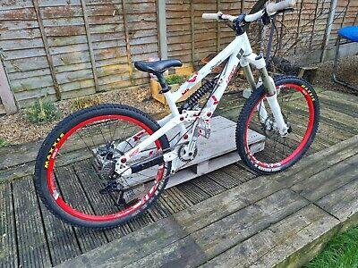 scott voltage fr20 freeride/ Down Hill mountain bike size small 26in wheels