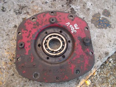 International 300 Utility Tractor Pto Power Take Off Housing Ihc Cover Bearing