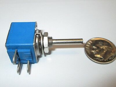 Bourns Series 82c1 1k Ohm Linear Taper Potentiometer 58 Sq. 2w  1 Pcs Nos