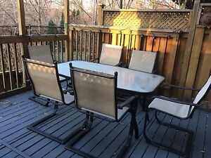 Patio table and chairs Oakville / Halton Region Toronto (GTA) image 1