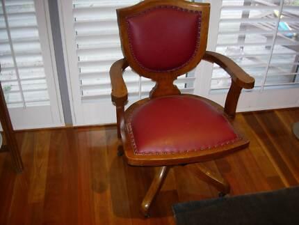 antique swivel office chair. ANTIQUE SWIVEL DESK CHAIR......LEATHER Antique Swivel Office Chair