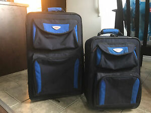ROOTS luggage set