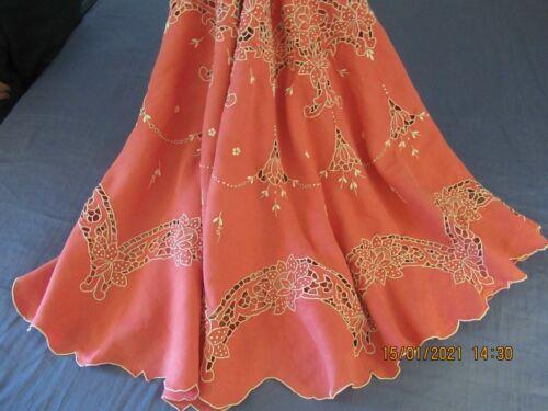 """Antique Vintage Linen Round Hand Embroidered Tablecloth Dark Pink 65-66"""" Diam"""