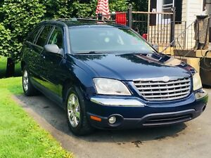 2005 Chrysler Pacifica touring  absolutely loaded!!!