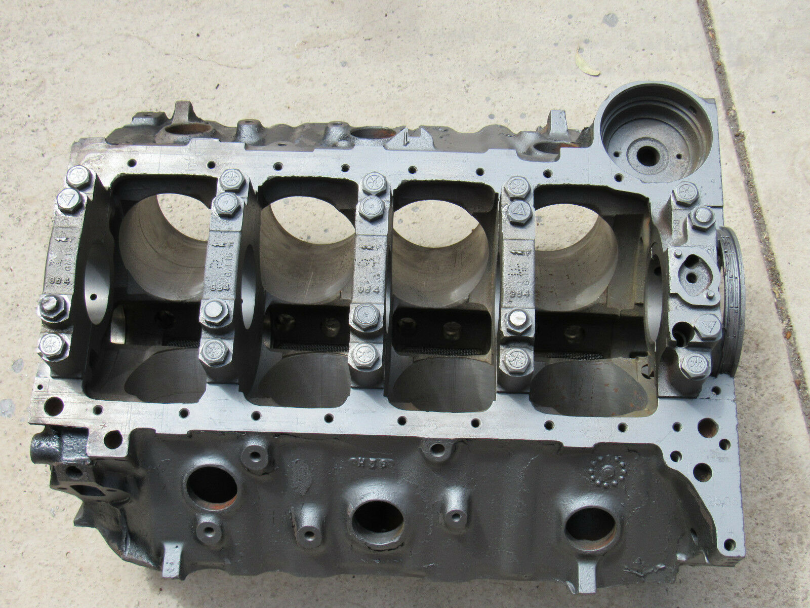 67 Corvette 4-BOLT 427 435 HP ENGINE CYLINDER BLOCK 3904351 dated J-18-6  .035""