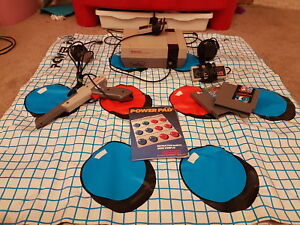 NINTENDO NES with light gun and Power Pad