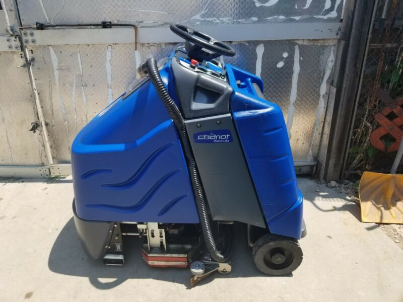 """Windsor Chariot iScrub Ride On Vacuum Buffer Scrubber 24"""" CSX24 Clean SEE DETAIL"""