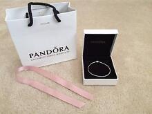 New Pandora Essence collection silver bracelet 18cm Valentines Endeavour Hills Casey Area Preview