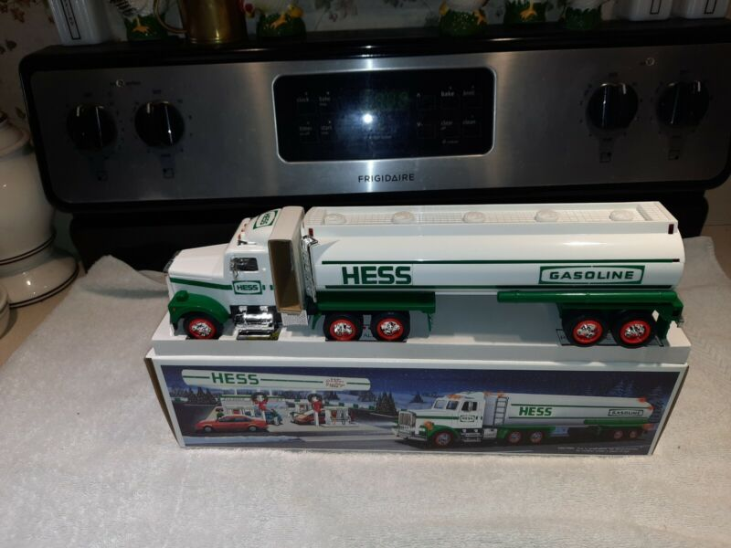 Hess Gasoline Promotional Vehicle 1990 Toy Semi Truck Tanker NIB NOS from a case