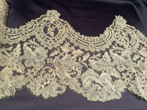 "Antique C1940 French Alencon Lace Trim Beautiful 9"" Wide Off White Floral Lace"