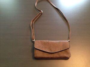 Denver Hayes purse