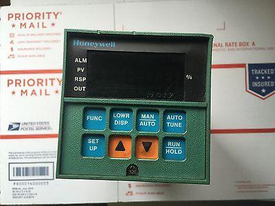 Honeywell Controller Dc3003-0-000-2-ul Din-0111